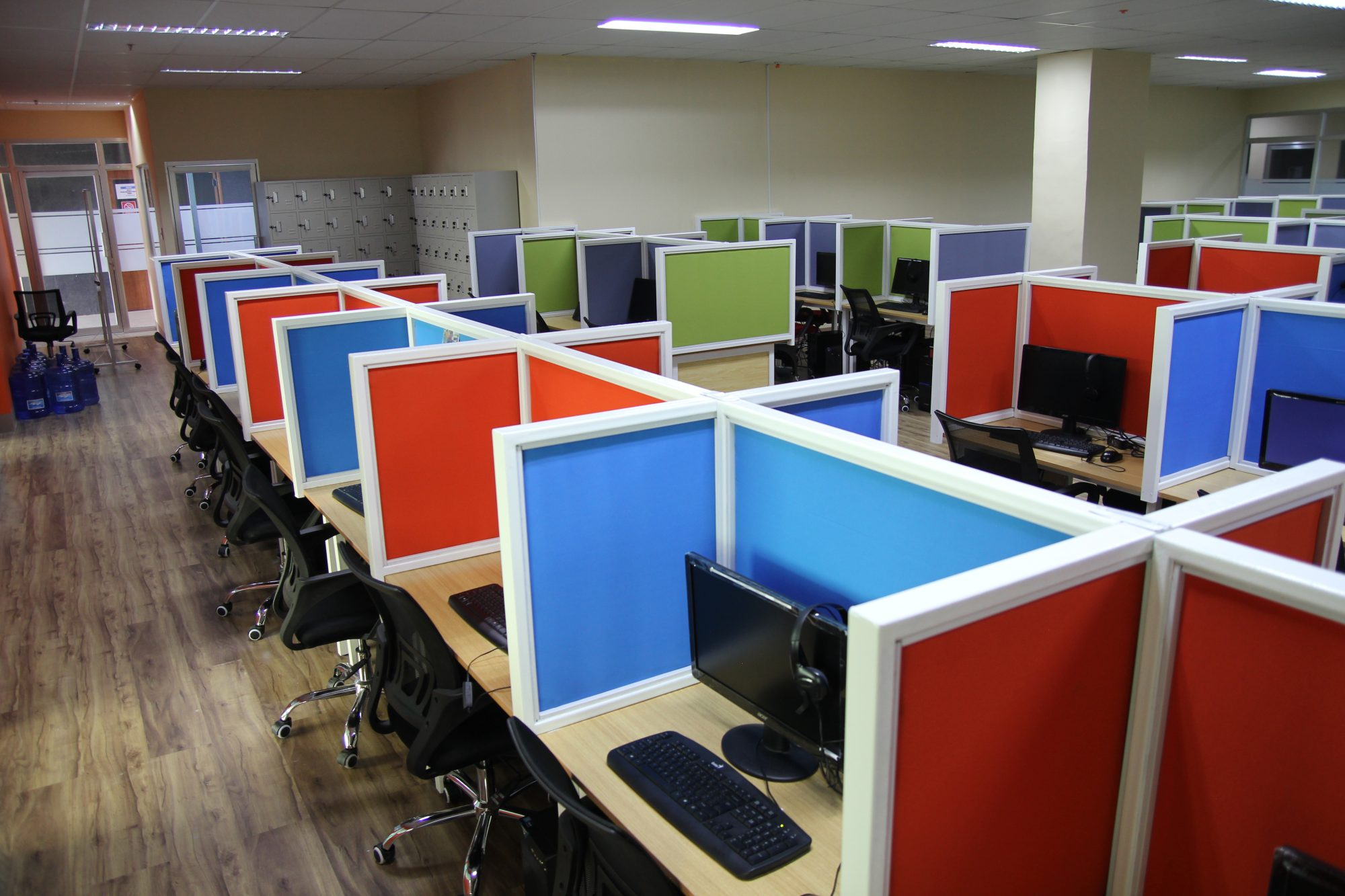 CALL CENTER SEAT LEASING vs. OFFICE SPACE FOR LEASE